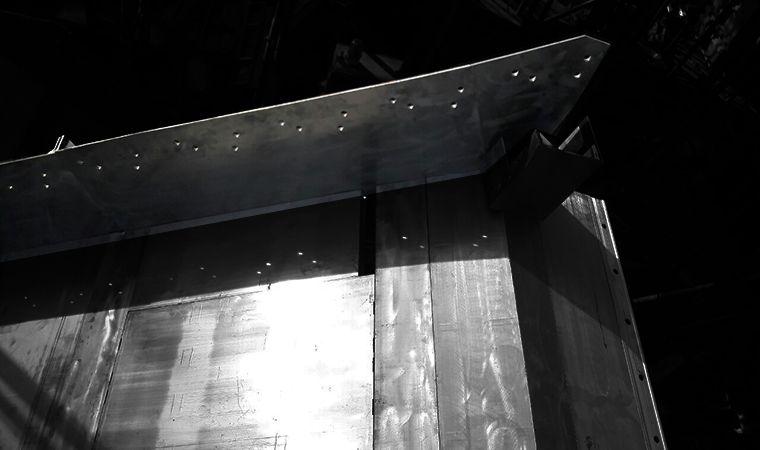 tấm side cầu thang