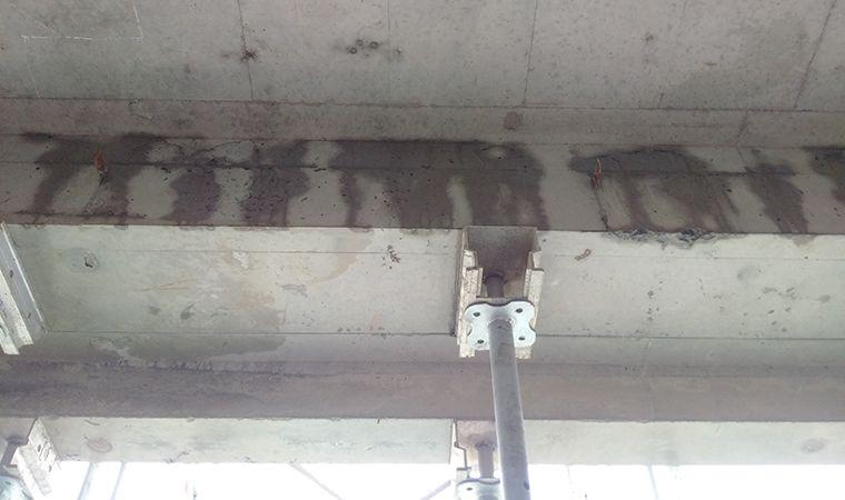 Nứt bê tông dầm cốp pha nhôm